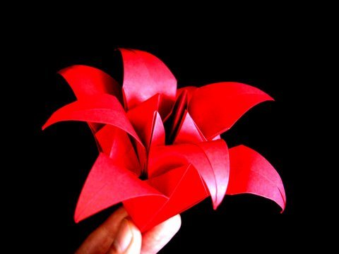 How to make a classic origami
